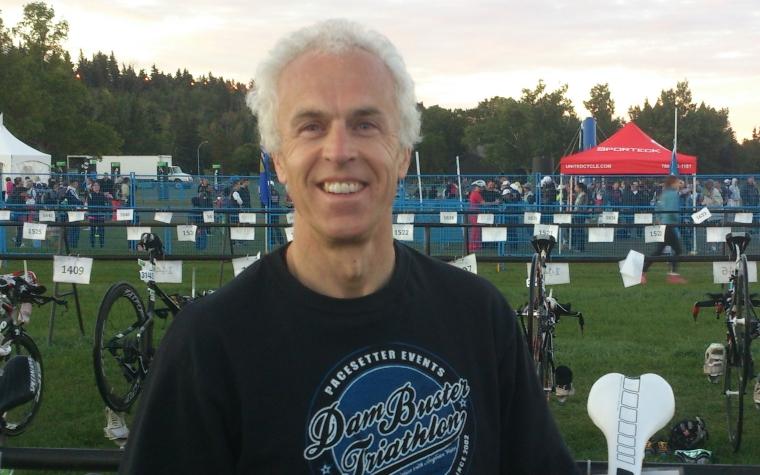 Paul Lander preparing for a triathlon_web